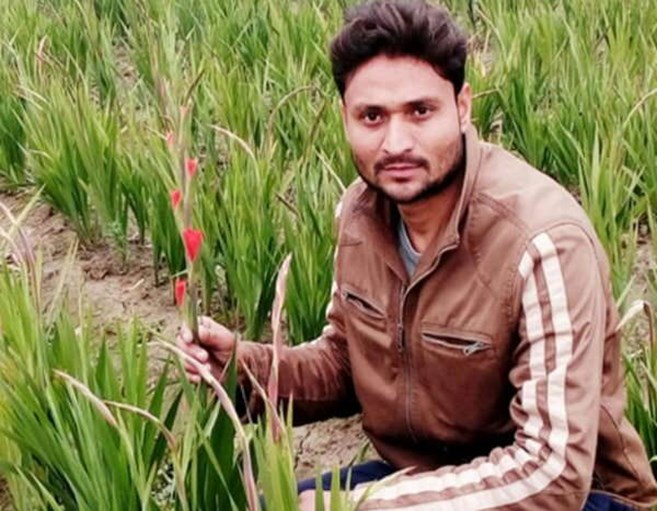Success story of a flower farmer Ankit
