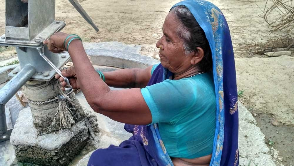 Chitrakoot first woman repair handpump